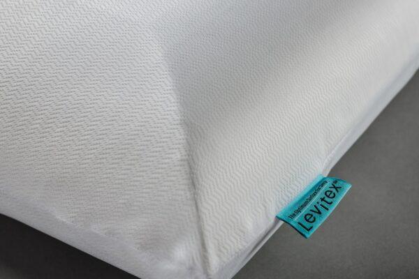 edge of posture pillow